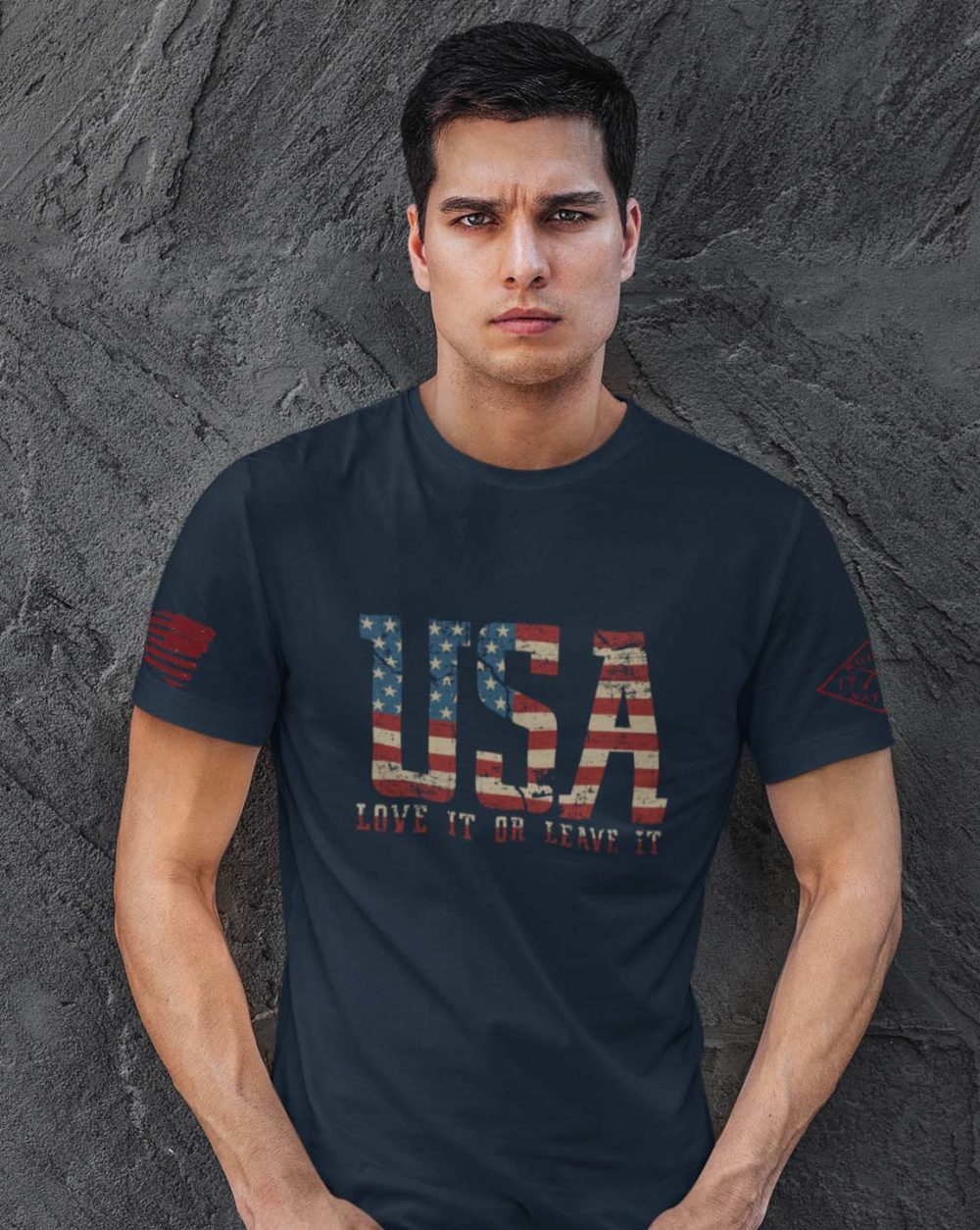 t-shirt with love it or leave it on navy men's