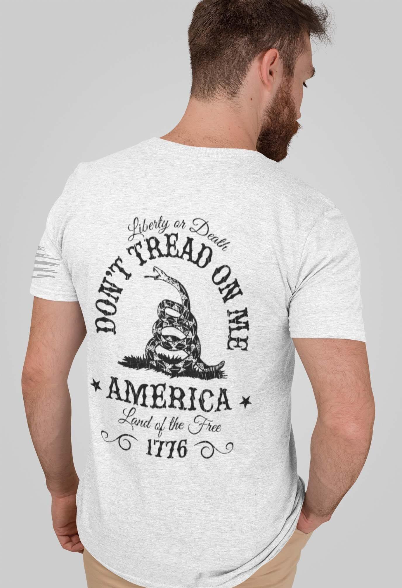Don't tread on me in a Men's light heather grey men's t-shirt